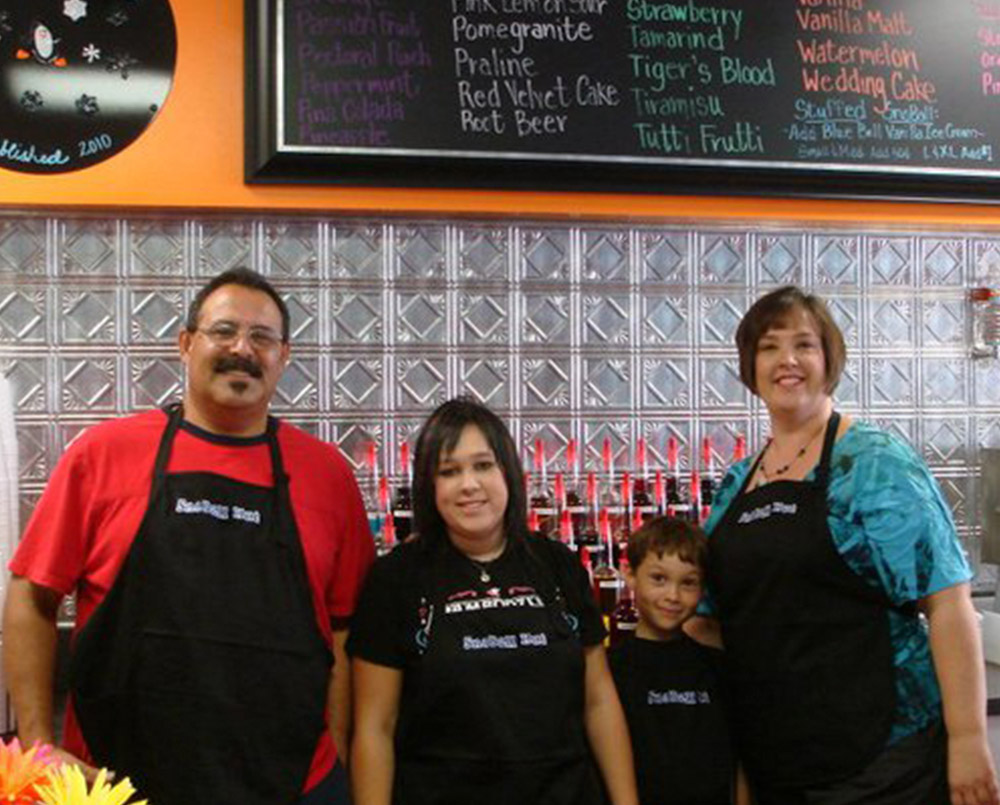 Rojas family is ready to serve you.